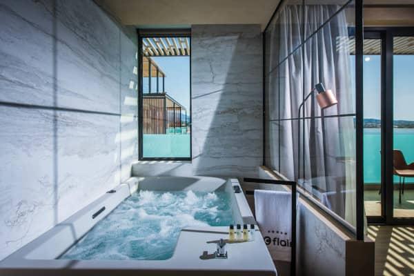 Junior Suite ca. 45 m2 inkl. 1 Balkon mit Meerblick, Whirlpool
