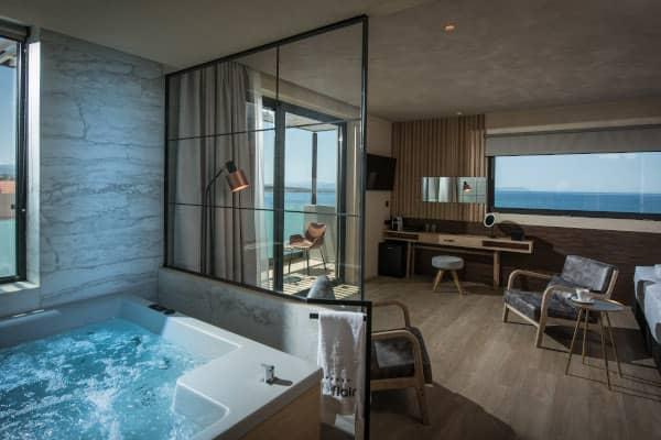 Junior Suite Premium mit direktem Meerblick, Whirlpool