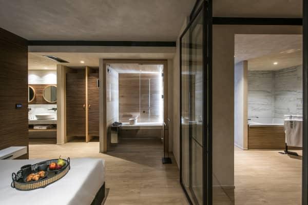 Penthouse Suite & Spa 55 - 65 m2 inkl. 1 Balkon mit Meerblick, Whirlpool & Sauna